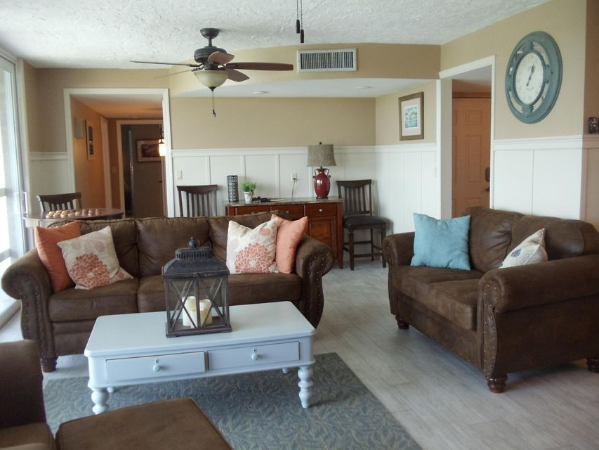 Additional photo for property listing at 130 Coco Plum Drive 130 Coco Plum Drive Marathon, Florida 33050 Verenigde Staten