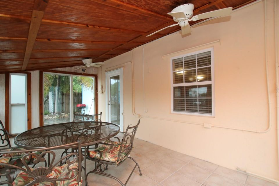 Additional photo for property listing at 31341 Avenue H 31341 Avenue H Big Pine Key, Florida 33043 Estados Unidos