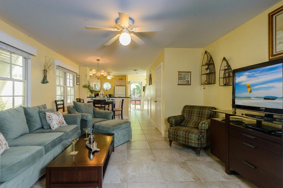 Additional photo for property listing at 100 Golf Club Drive 100 Golf Club Drive Key West, Florida 33040 États-Unis