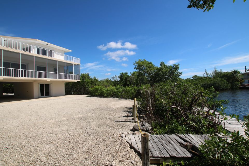Additional photo for property listing at 217 Harbor Drive 217 Harbor Drive Key Largo, Florida 33037 Estados Unidos