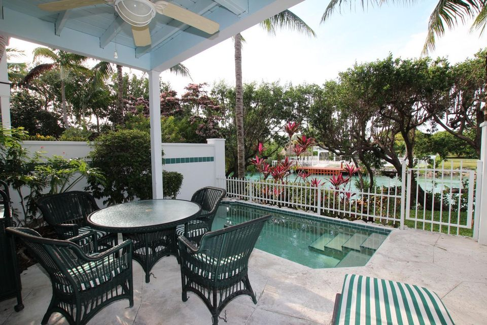 Casa unifamiliar adosada (Townhouse) por un Venta en 5115 Sunset Village Drive 5115 Sunset Village Drive Duck Key, Florida 33050 Estados Unidos