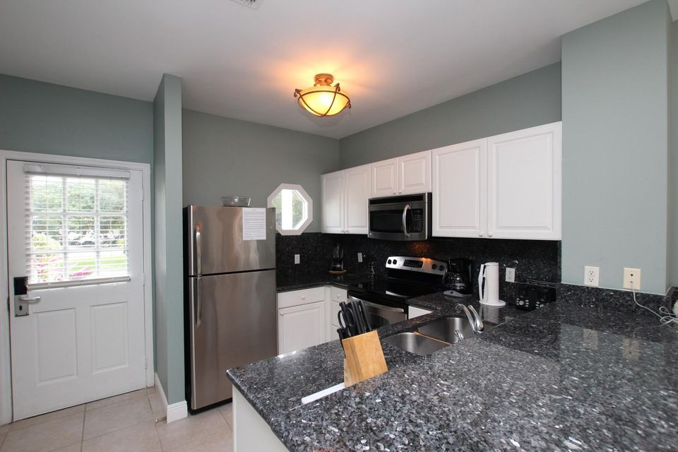 Additional photo for property listing at 5115 Sunset Village Drive 5115 Sunset Village Drive Duck Key, Florida 33050 Estados Unidos