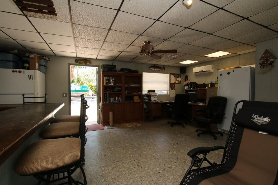 Additional photo for property listing at 106 Guilford Court 106 Guilford Court Tavernier, Florida 33070 Hoa Kỳ