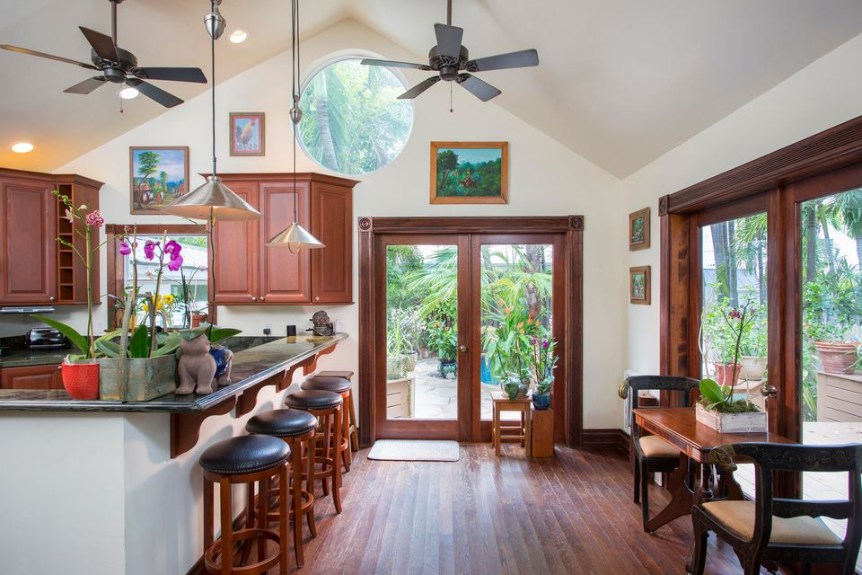 Additional photo for property listing at 923 Fleming Street 923 Fleming Street Key West, Florida 33040 États-Unis