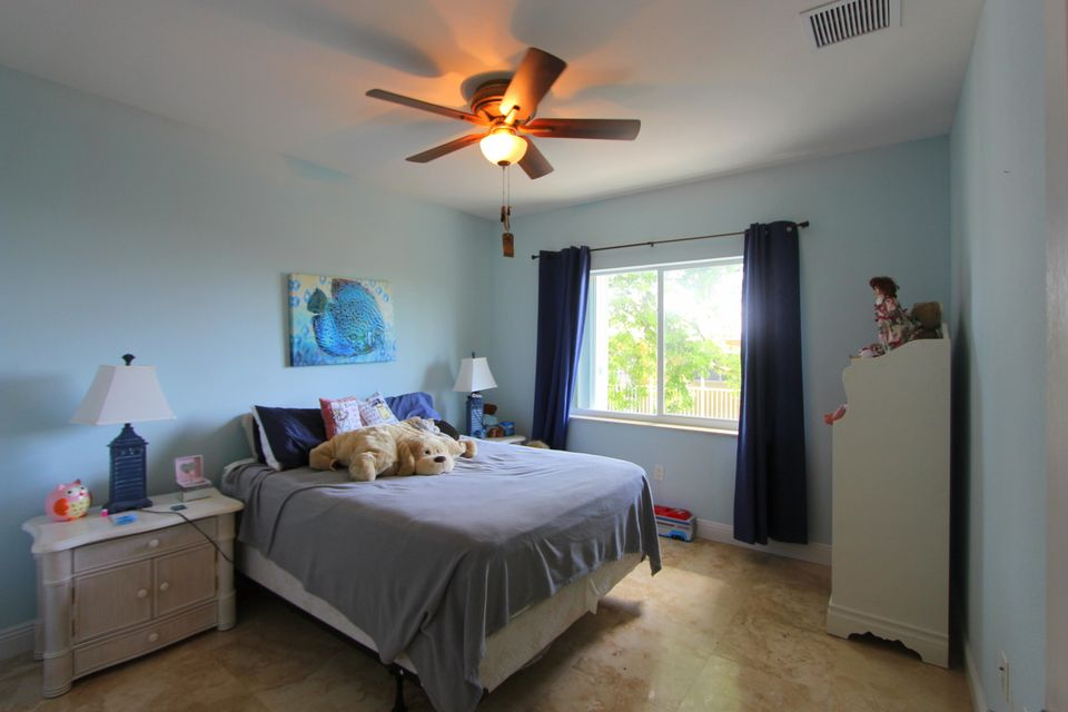 Additional photo for property listing at 952 Shaw Drive 952 Shaw Drive Key Largo, Florida 33037 Stati Uniti