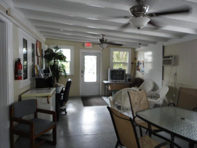 Additional photo for property listing at 29859 Overseas Highway 29859 Overseas Highway Big Pine Key, Florida 33043 Estados Unidos