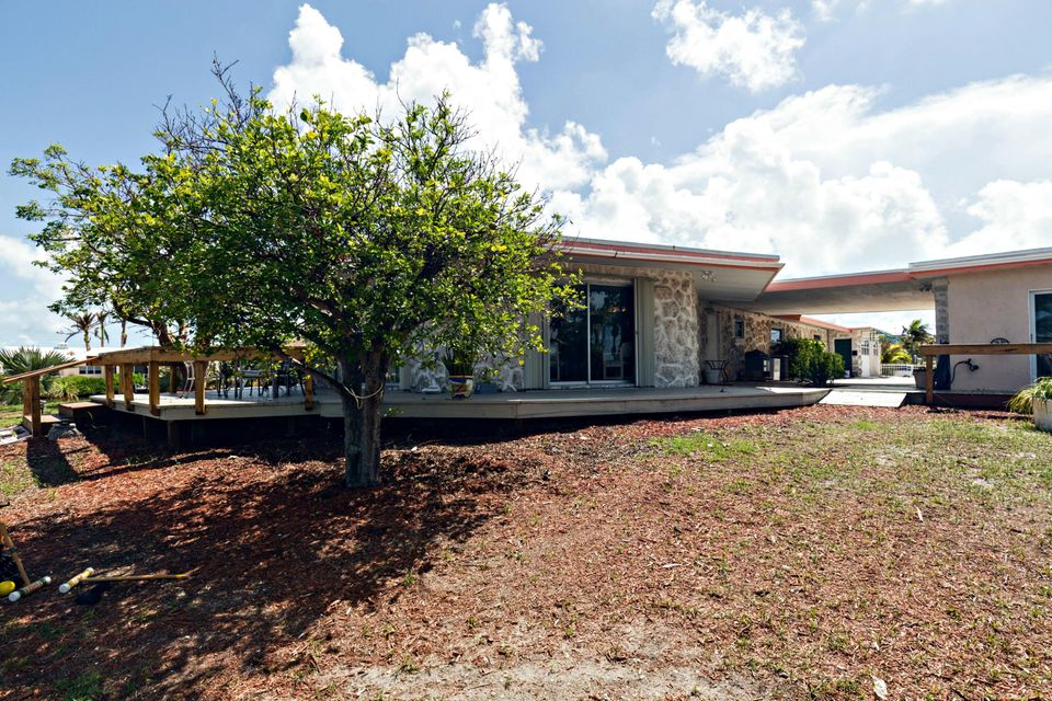 Additional photo for property listing at 20 Avenue F 20 Avenue F Marathon, Florida 33050 United States