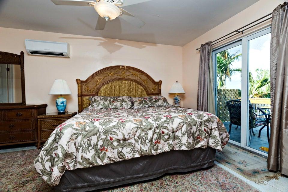 Additional photo for property listing at 20 Avenue F 20 Avenue F Marathon, Florida 33050 États-Unis