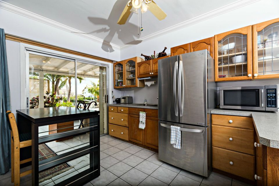 Additional photo for property listing at 20 Avenue F 20 Avenue F Marathon, Florida 33050 États-Unis