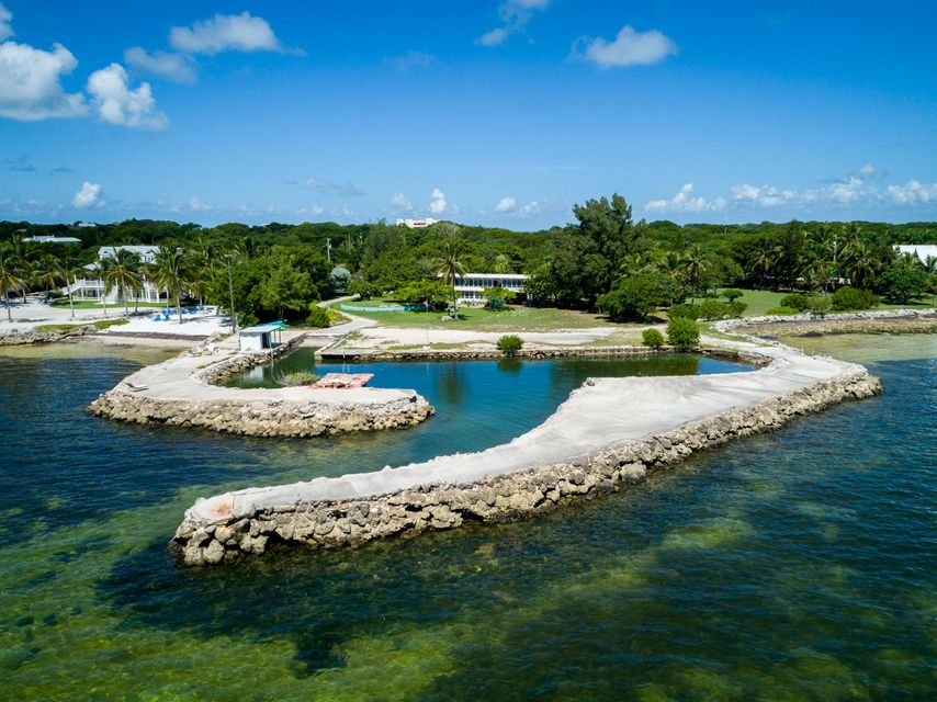 Multi-Family Home for Sale at 88835 Old Highway 88835 Old Highway Islamorada, Florida 33070 United States