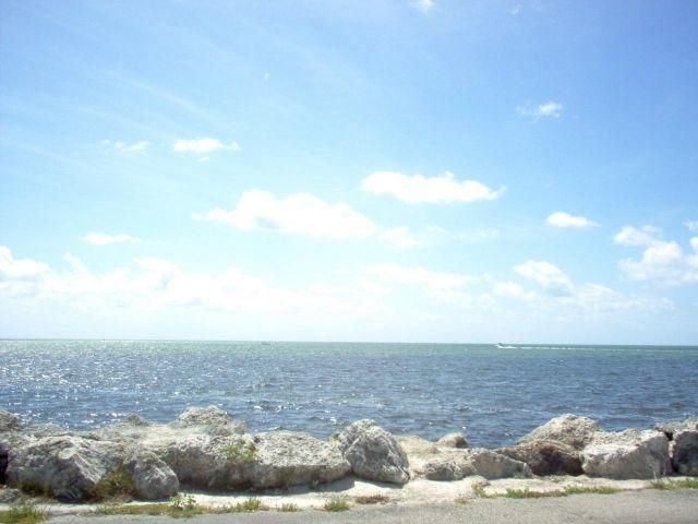 Additional photo for property listing at 94825 Overseas Highway 94825 Overseas Highway Key Largo, Florida 33037 Stati Uniti