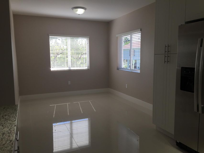 Additional photo for property listing at 15 Lakeview Drive 15 Lakeview Drive Key Largo, Florida 33037 Estados Unidos