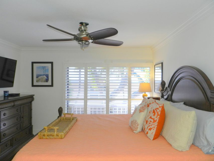 Additional photo for property listing at 9816 Magellan Drive 9816 Magellan Drive Key Largo, Florida 33037 Hoa Kỳ