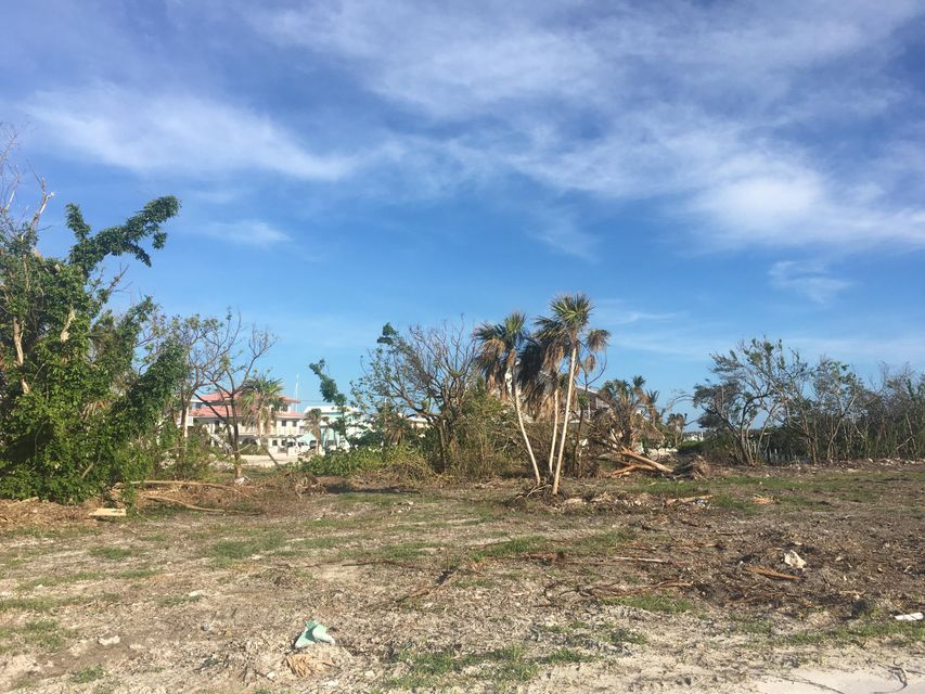 Additional photo for property listing at Parcel 1 Vacant Land Coco Plum Drive Parcel 1 Vacant Land Coco Plum Drive Marathon, Florida 33050 Usa
