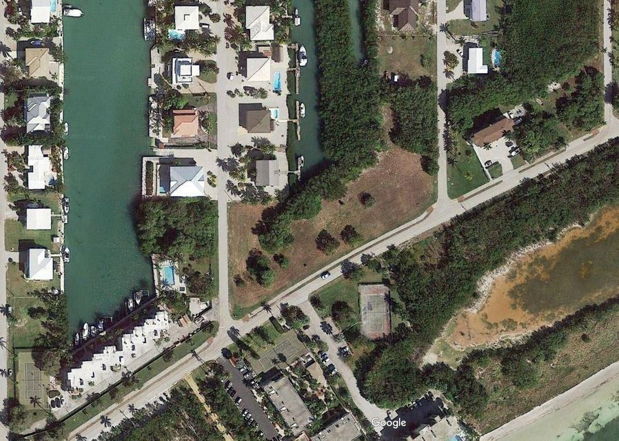 Additional photo for property listing at Parcel 1 Vacant Land Coco Plum Drive Parcel 1 Vacant Land Coco Plum Drive Marathon, Florida 33050 Stati Uniti