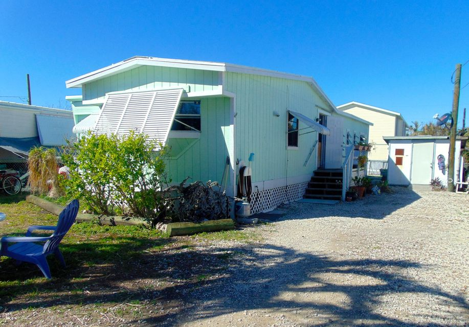 Single Family Home for Sale at 31225 Avenue D 31225 Avenue D Big Pine Key, Florida 33043 United States