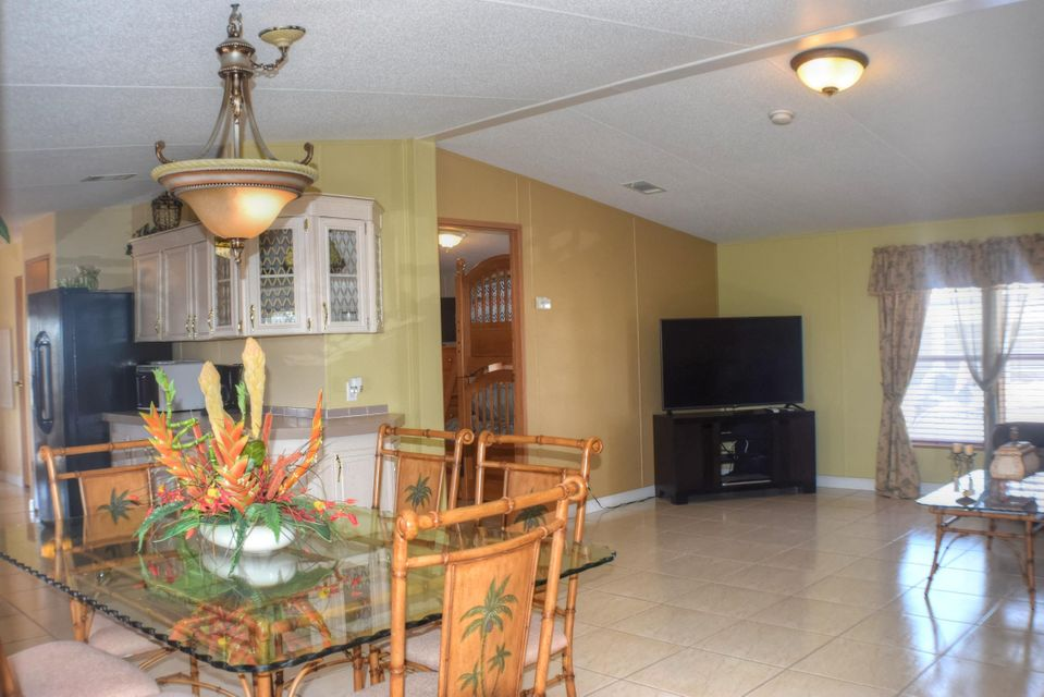 Additional photo for property listing at 341 Ryan Avenue 341 Ryan Avenue Key Largo, Florida 33037 États-Unis