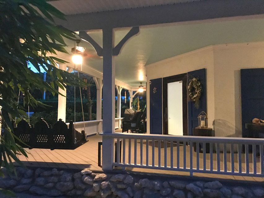 Additional photo for property listing at 139 Ocean View Drive 139 Ocean View Drive Tavernier, Florida 33070 Hoa Kỳ