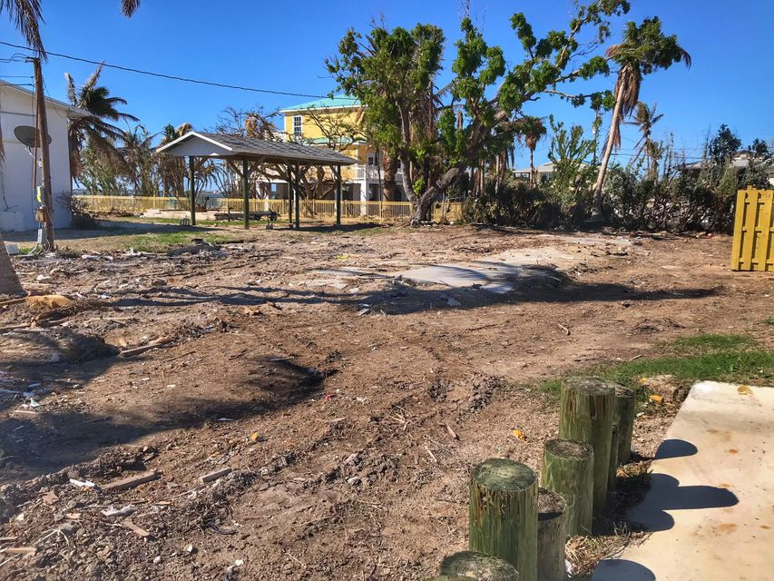 Additional photo for property listing at 1723 74th Street Ocean 1723 74th Street Ocean Marathon, Florida 33050 Estados Unidos