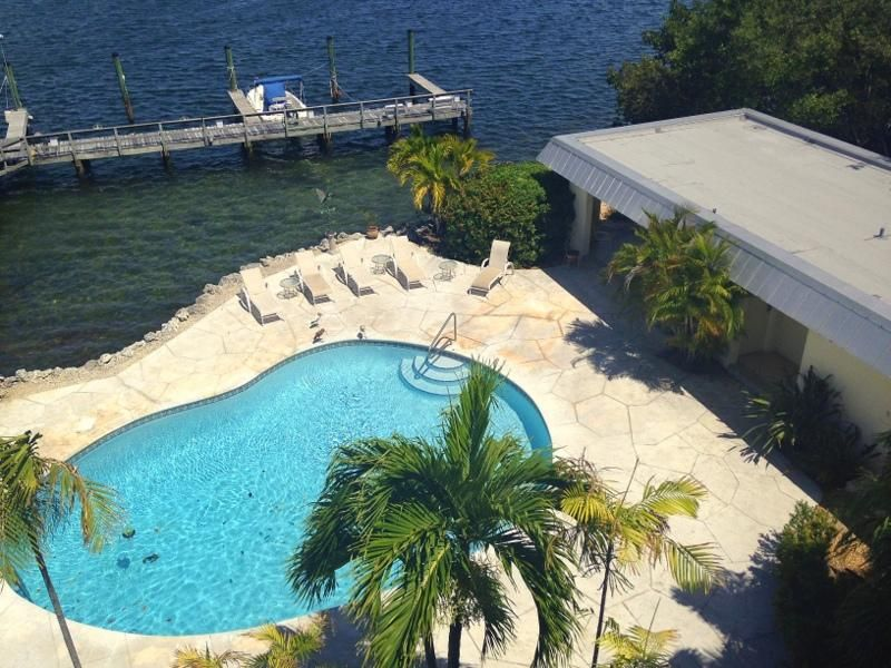 Additional photo for property listing at 833 Eisenhower Drive 833 Eisenhower Drive Key West, Florida 33040 Stati Uniti