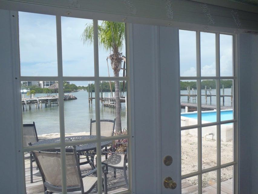 Enfamiljshus för Försäljning vid 423 121ST St Gulf 423 121ST St Gulf Marathon, Florida 33050 Usa