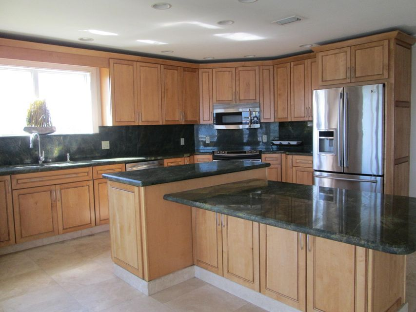 Additional photo for property listing at 1400 Bluefin Drive 1400 Bluefin Drive Marathon, Флорида 33050 Соединенные Штаты