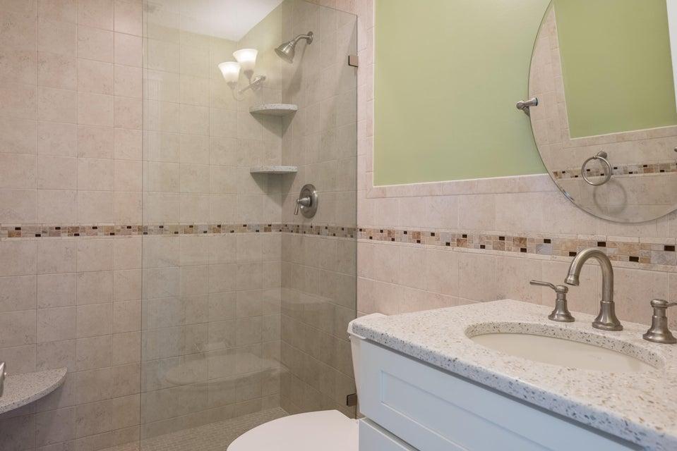 Additional photo for property listing at 1327 Hudgins Drive 1327 Hudgins Drive Summerland Key, Florida 33042 Stati Uniti