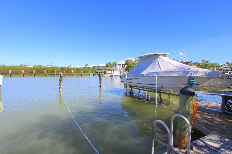 Additional photo for property listing at 9828 Mariners Avenue 9828 Mariners Avenue Key Largo, Florida 33037 Estados Unidos