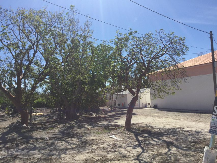 Additional photo for property listing at 12235 Overseas Highway 12235 Overseas Highway Marathon, Florida 33050 Estados Unidos