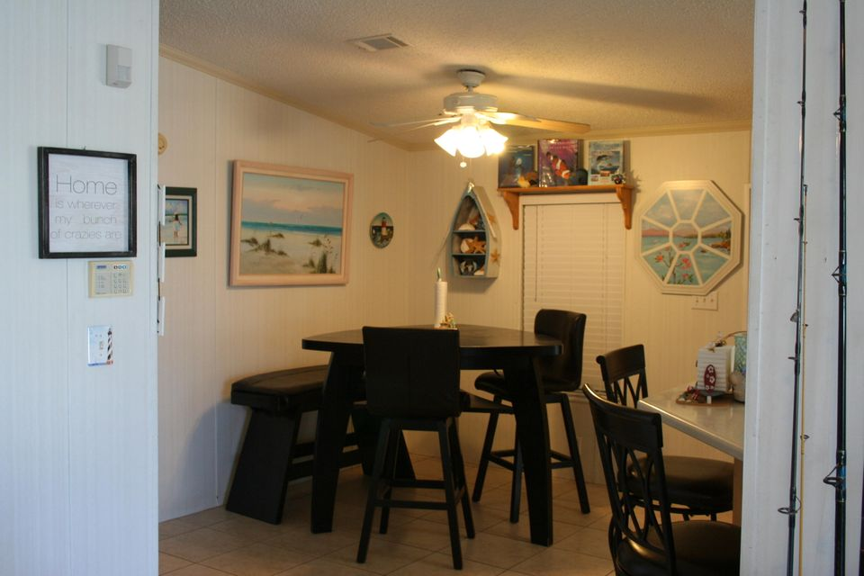 Additional photo for property listing at 179 1St Court 179 1St Court Key Largo, Florida 33037 États-Unis