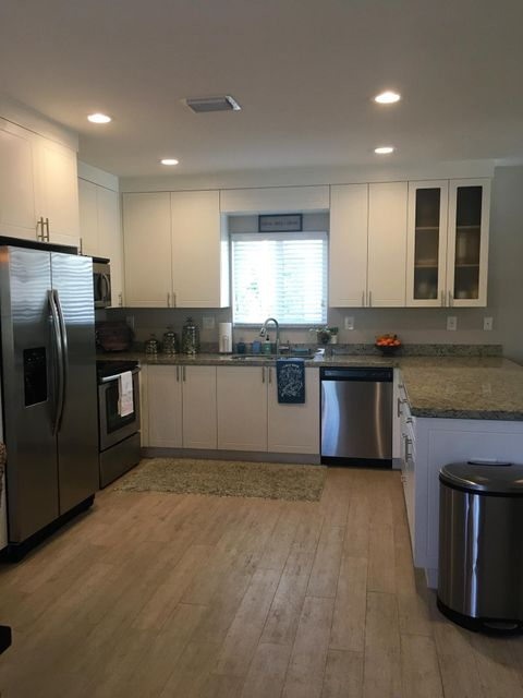 Additional photo for property listing at 16 Gulf Drive 16 Gulf Drive Key Largo, Florida 33037 États-Unis