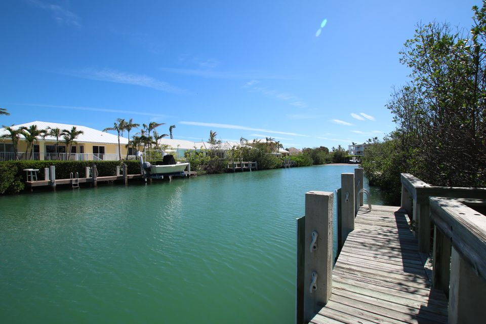 Additional photo for property listing at 180 14TH Street 180 14TH Street Key Colony, Florida 33051 Estados Unidos