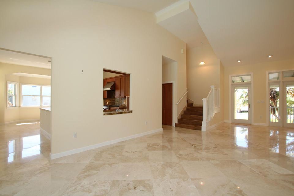 Additional photo for property listing at 180 14Th Street 180 14Th Street Key Colony, 플로리다 33051 미국