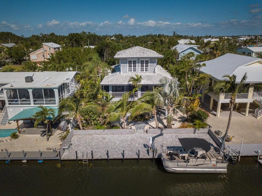 独户住宅 为 销售 在 308 Woods Avenue 308 Woods Avenue 塔威尼尔, 佛罗里达州 33070 美国