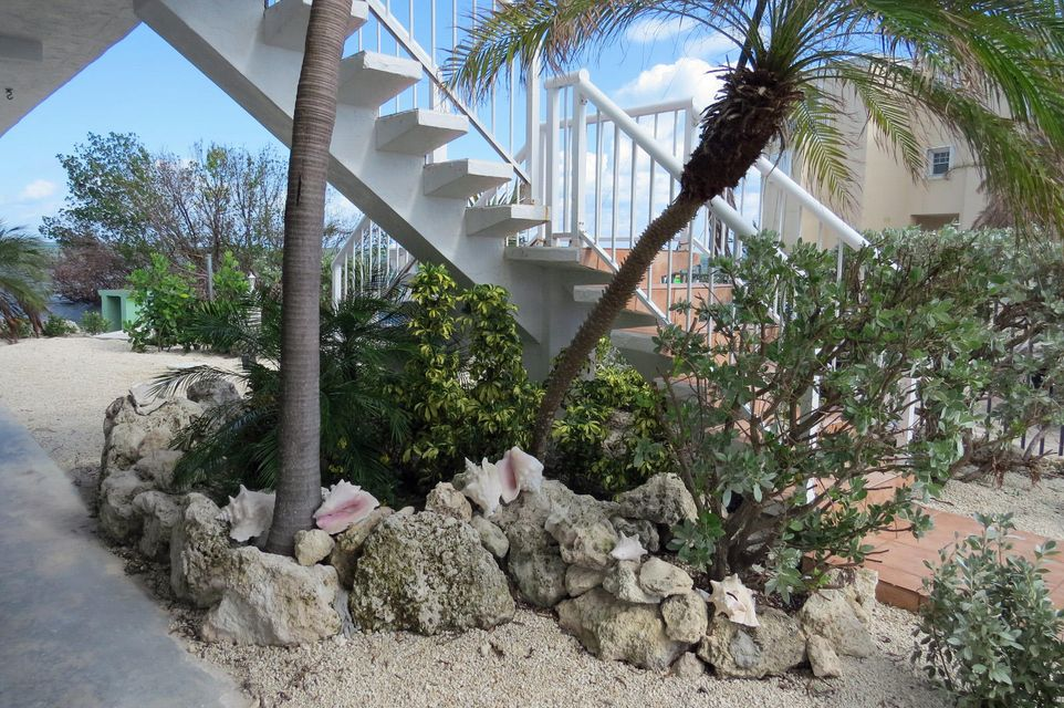 Additional photo for property listing at 901 Lobster Lane 901 Lobster Lane Key Largo, Florida 33037 Amerika Birleşik Devletleri