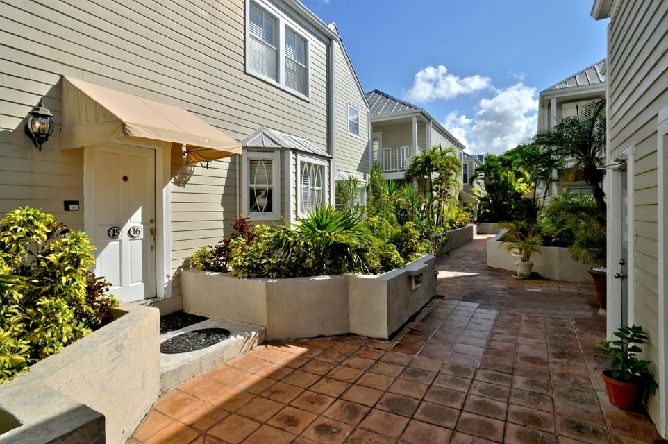 Additional photo for property listing at 1075 Duval Street 1075 Duval Street Key West, 플로리다 33040 미국