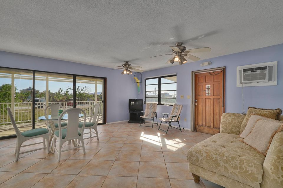 Additional photo for property listing at 27360 Saint Croix Lane 27360 Saint Croix Lane Ramrod Key, Florida 33042 Estados Unidos