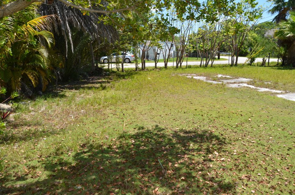 Additional photo for property listing at Beach Drive Beach Drive Saddlebunch, Florida 33040 Usa