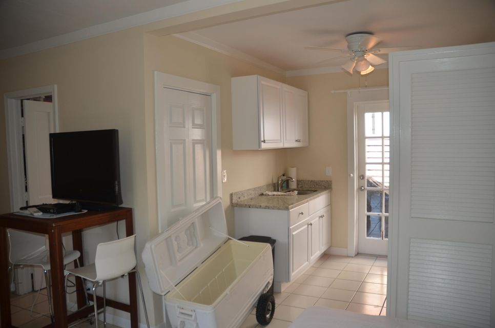 Additional photo for property listing at 801 Waddell Avenue 801 Waddell Avenue Key West, Florida 33040 Stati Uniti