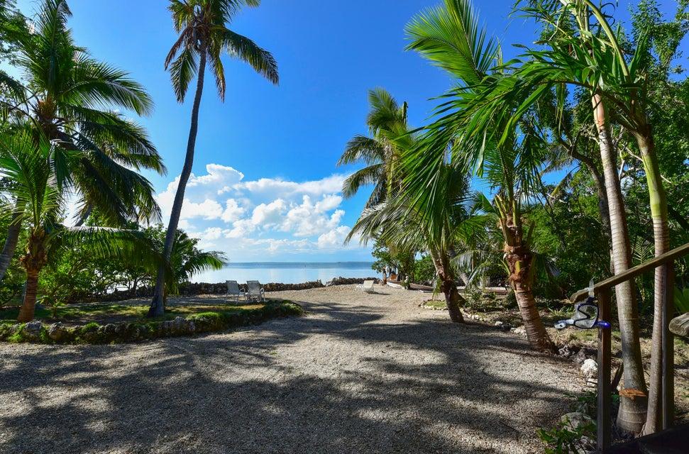 Tek Ailelik Ev için Satış at 330 Buttonwood Bight Lane 330 Buttonwood Bight Lane Tavernier, Florida 33070 Amerika Birleşik Devletleri