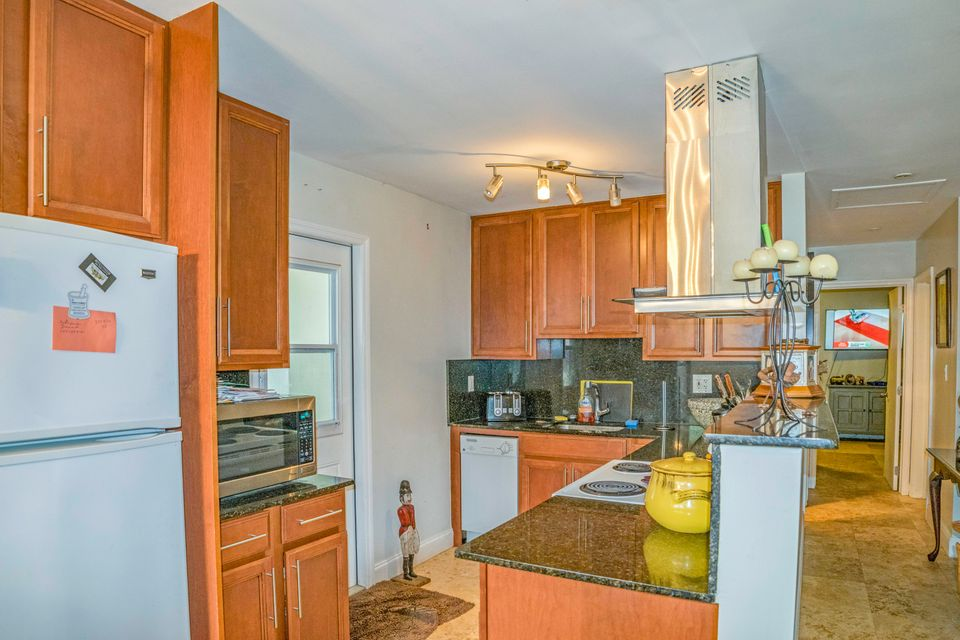 Additional photo for property listing at 3737-3739 Duck Avenue 3737-3739 Duck Avenue Key West, Florida 33040 Hoa Kỳ