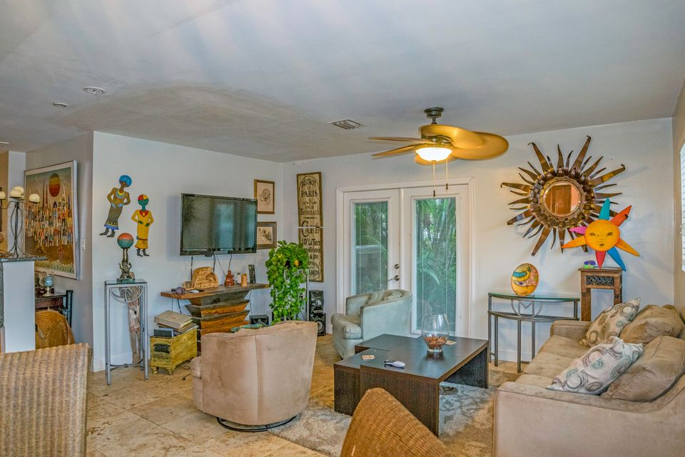 Additional photo for property listing at 3737-3739 Duck Avenue 3737-3739 Duck Avenue Key West, Florida 33040 États-Unis