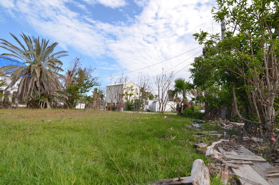 Additional photo for property listing at Beach Drive Beach Drive Saddlebunch, Florida 33040 Estados Unidos