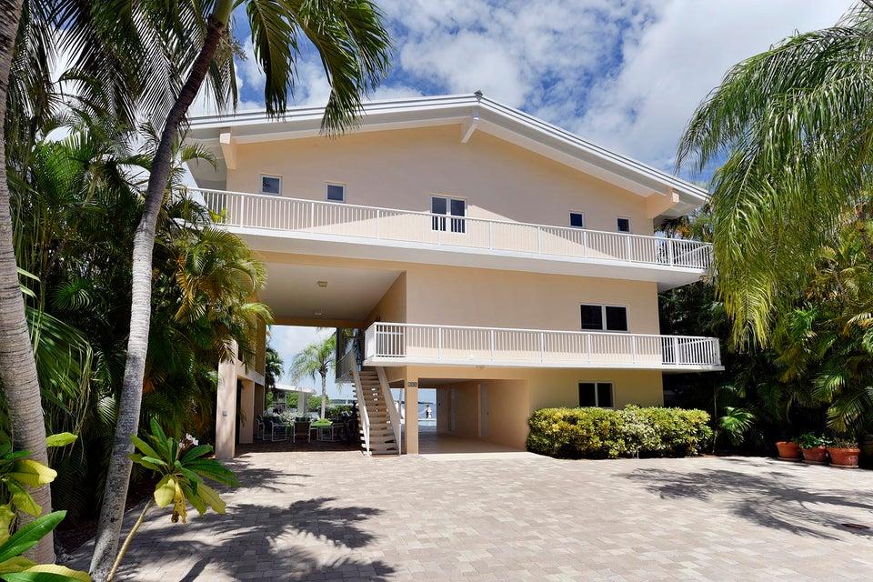 独户住宅 为 销售 在 400 S Coconut Palm Boulevard 400 S Coconut Palm Boulevard 塔威尼尔, 佛罗里达州 33070 美国