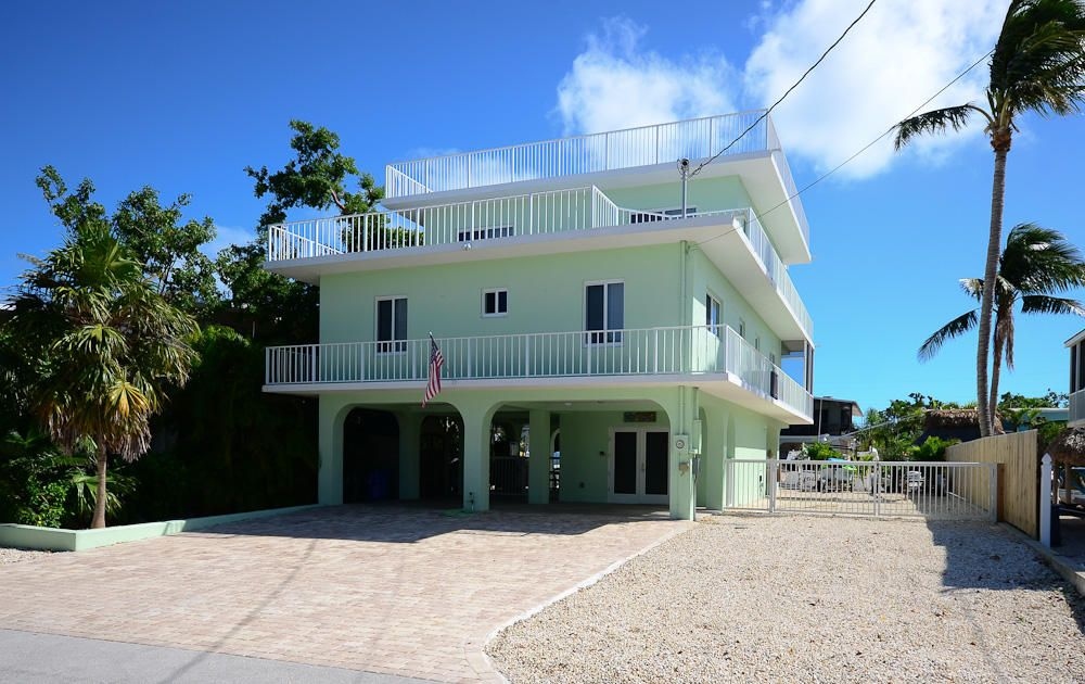 Single Family Home for Sale at 389 S Coconut Palm Boulevard 389 S Coconut Palm Boulevard Tavernier, Florida 33070 United States