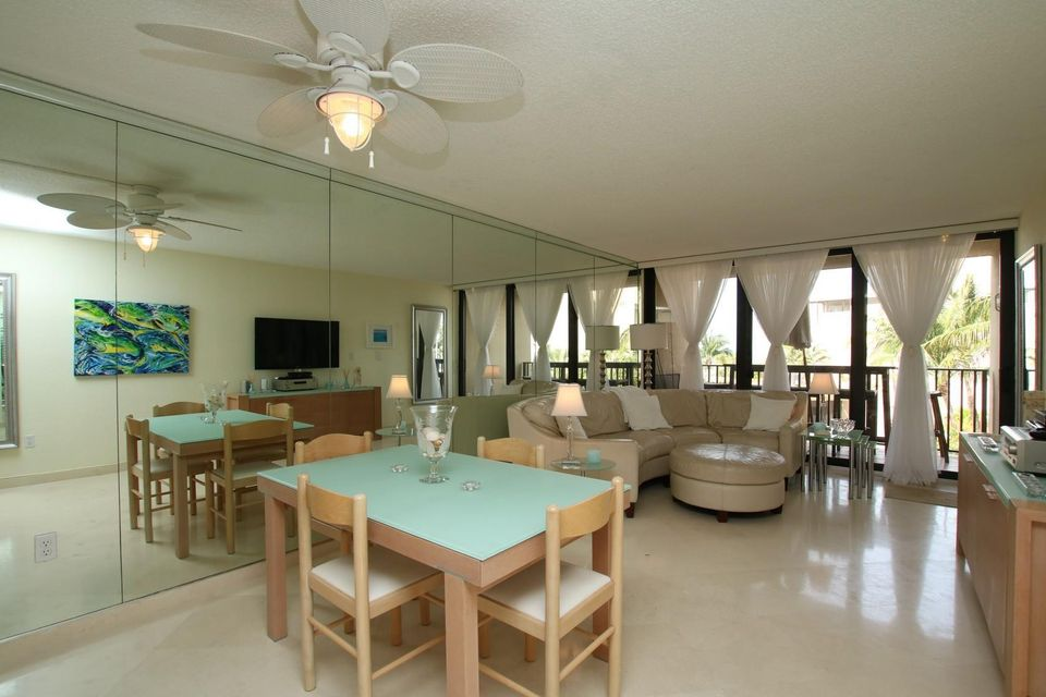 Additional photo for property listing at 104350 Overseas Highway 104350 Overseas Highway Key Largo, Florida 33037 Estados Unidos