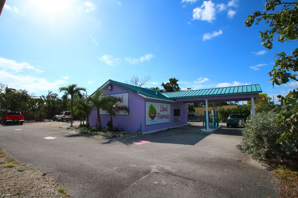 Commercial for Sale at 82787 Overseas Highway 82787 Overseas Highway Islamorada, Florida 33036 United States
