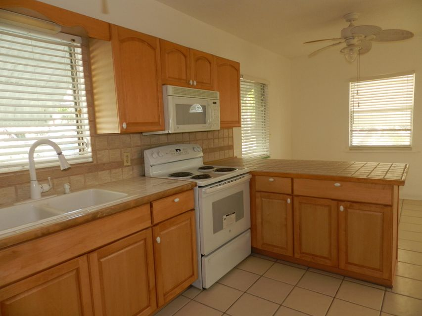 Additional photo for property listing at 401 Coconut Drive 401 Coconut Drive Key Largo, Florida 33037 Estados Unidos