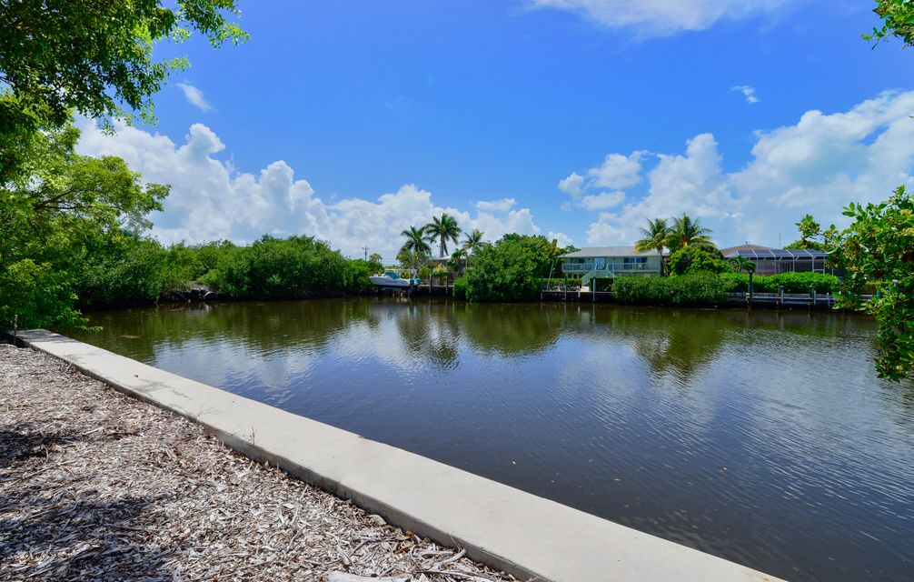 Additional photo for property listing at 108 Sunrise Drive 108 Sunrise Drive Marathon, Florida 33050 Stati Uniti