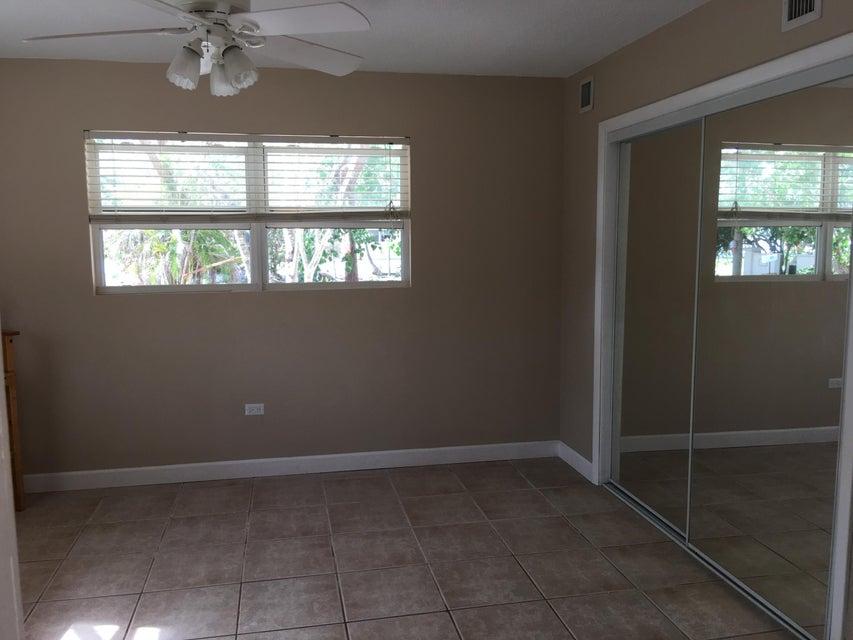 Additional photo for property listing at 225 Coral Road 225 Coral Road 伊斯拉摩拉, 佛罗里达州 33036 美国